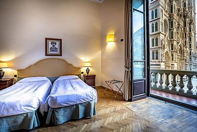 Two Bedrooms Apt - Duomo view -with balcony